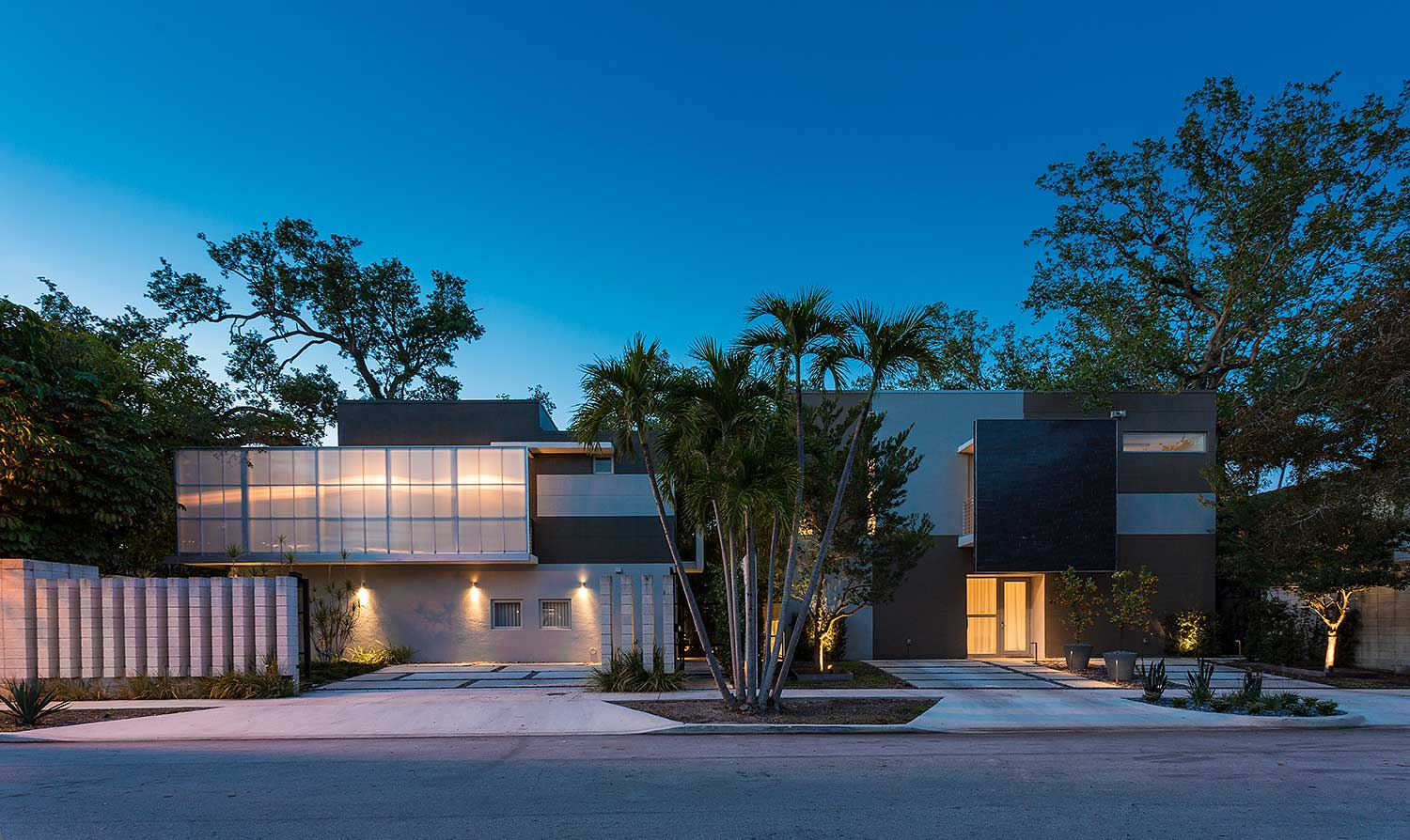 Casa Grove ll & lll by Mateu Architecture